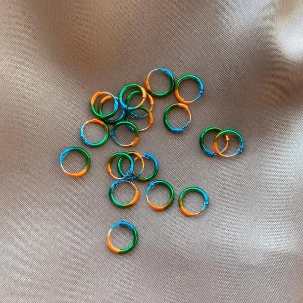 - 0.8 Renkli Minik Halka Küpe | 925 Gümüş