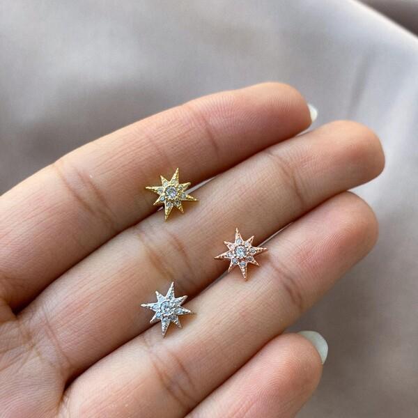 - 8 Uçlu Taşlı Yıldız Tragus Piercing