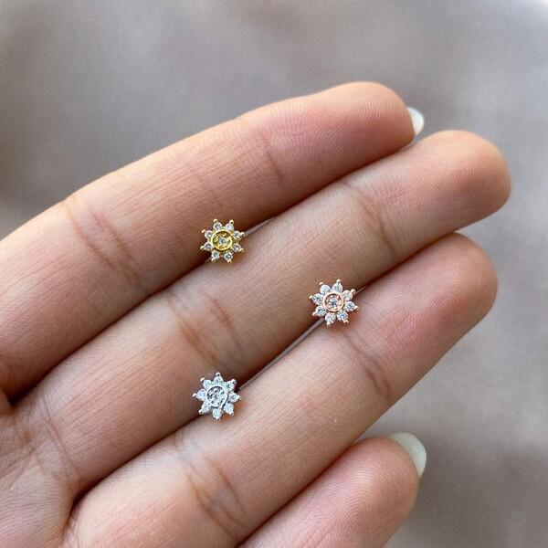 - 9 Taşlı Çiçek Piercing