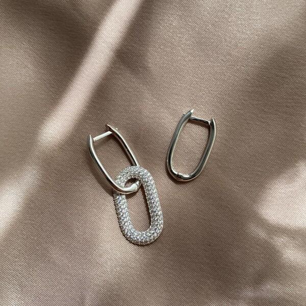 - B Beyaz Taşlı İkili Dikdörtgen Küpe | 925 Gümüş