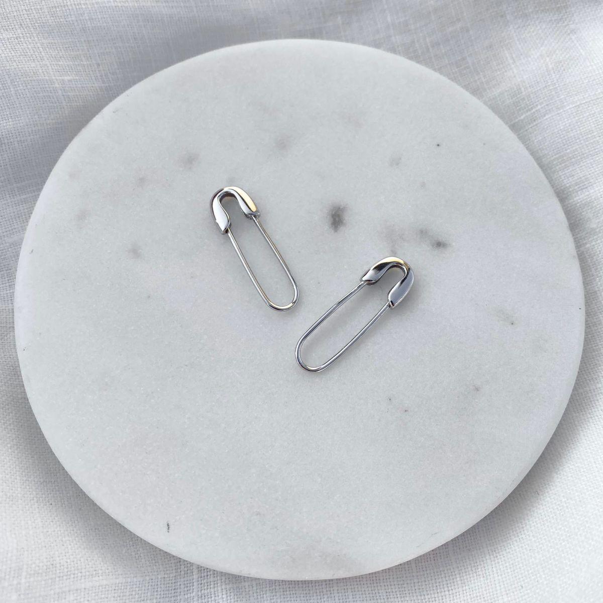 B Çengelli İğne Küpe | 925 Gümüş
