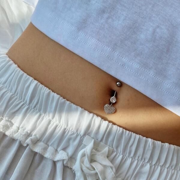 - B Taşlı Kalp Figürlü Göbek Piercingi