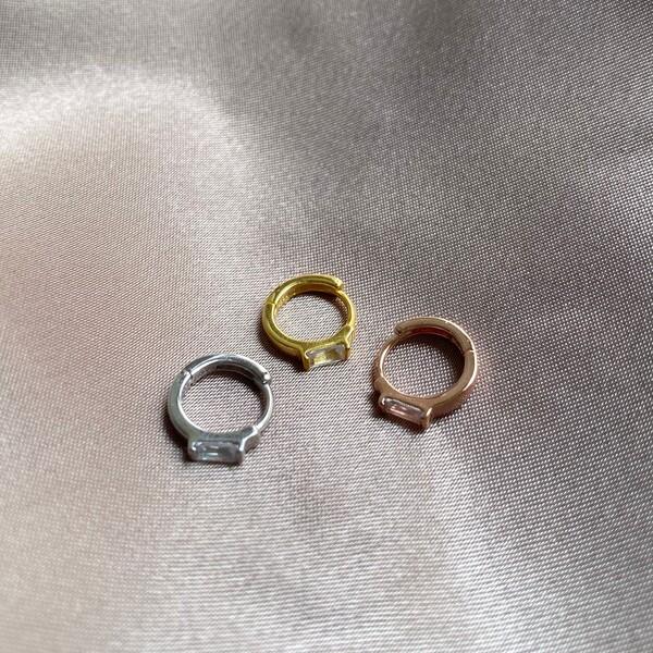 Fi Season - Tekli Baget Taşlı Kıkırdak Küpesi | 925 gümüş