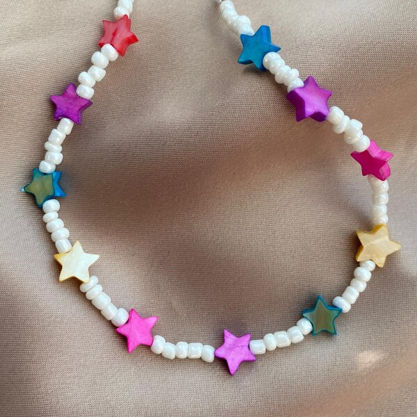 Fi Season - Beyaz Boncuklu Renkli Yıldız Choker