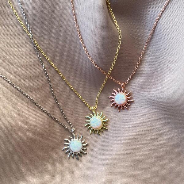 - Beyaz Opal Taşlı Güneş Figürlü Kolye | 925 Gümüş