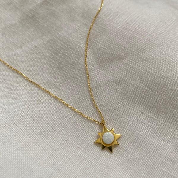 - Beyaz Opal Taşlı Yıldız Kolye | 925 Gümüş