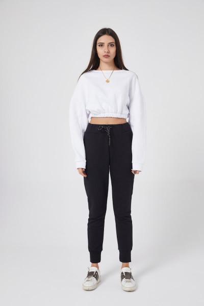 - Beyaz Sweatshirt