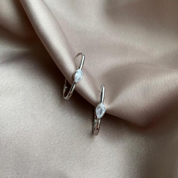 Fi Season - Beyaz Taşlı Damla İnce Dikdörtgen Küpe   925 Gümüş