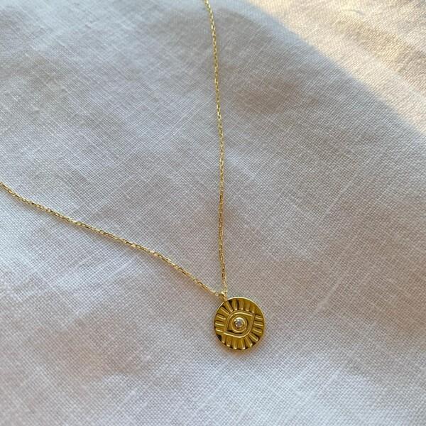 Fi Season - Beyaz Taşlı Göz Figürlü Madalyon Kolye | 925 Gümüş