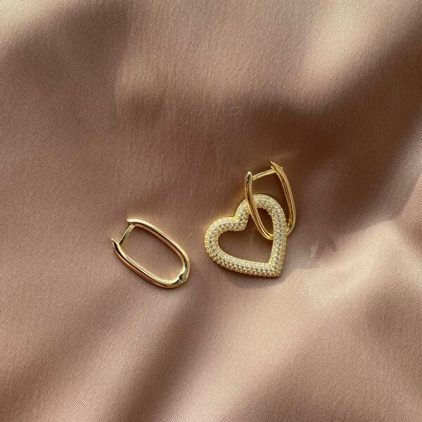 - Beyaz Taşlı Kalpli Dikdörtgen Küpe   925 Gümüş