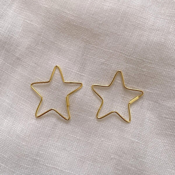 - Büyük İnce Yıldız Küpe | 925 Gümüş