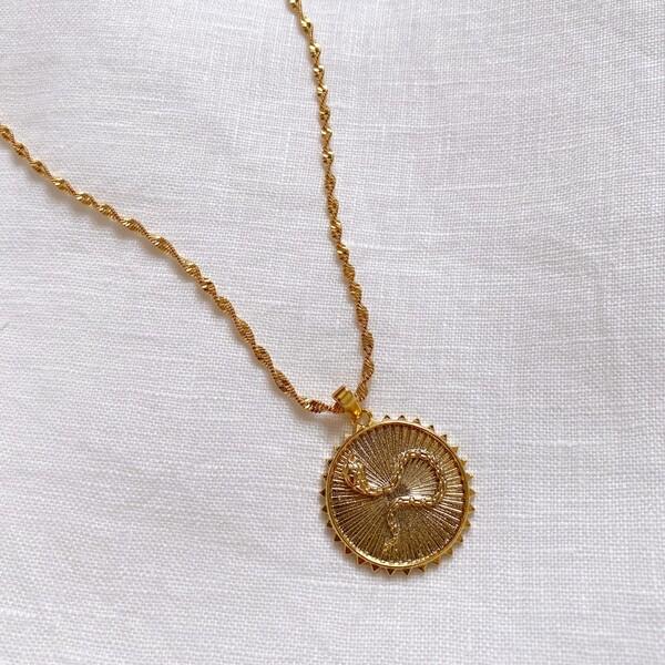 Fi Season - Çizgili Yılan Figürlü Madalyon Kolye