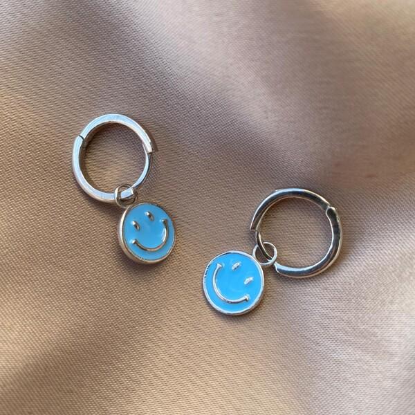 - Halkalı Mavi Mineli Gülen Yüz Küpe | 925 Gümüş
