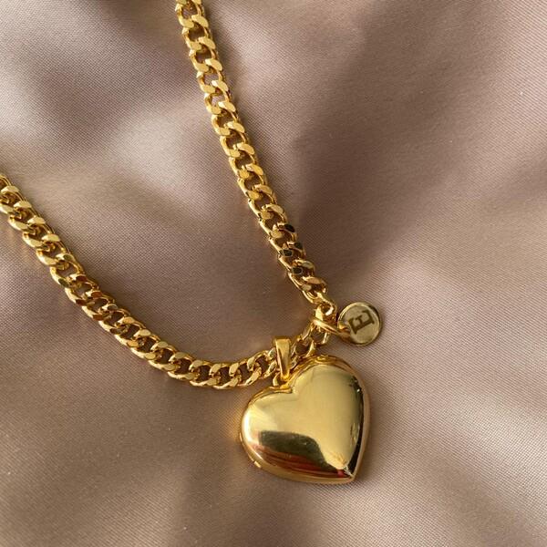 Fi Season - Harfli Kapaklı Kalp Kolye