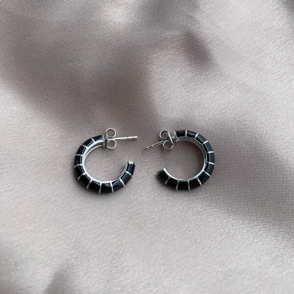 Fi Season - İnce Çizgili Siyah Mineli Halka Küpe   925 Gümüş