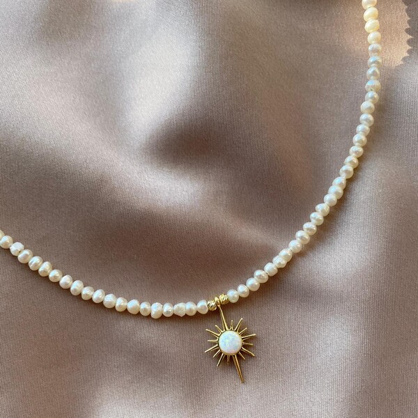 Fi Season - İncili Beyaz Opal Taşlı Kutup Yıldızı Kolye   925 Gümüş