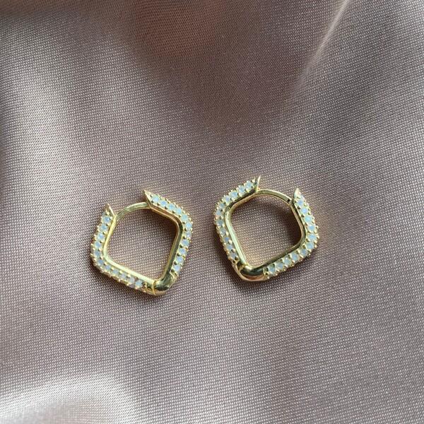Fi Season - Kare Figürlü Beyaz Taşlı Küpe | 925 Gümüş