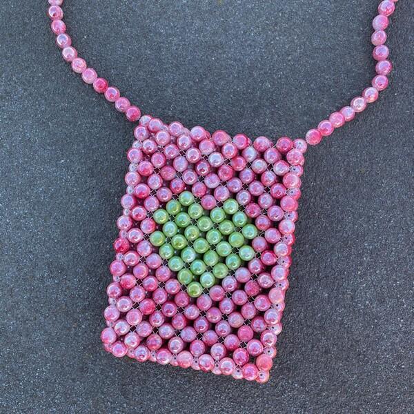 Fi Season - Kırmızı Damarlı Boncuklu Yeşil Kalpli Çanta