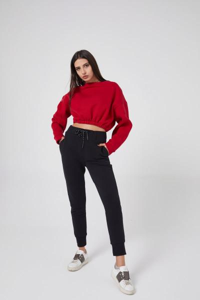 - Kırmızı Sweatshirt