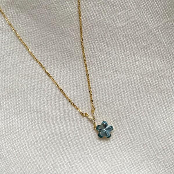 Fi Season - Mavi Taşlı Çiçek Kolye   925 Gümüş