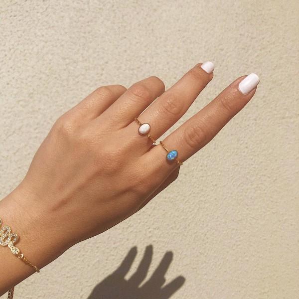 - Oval Çerçeveli Opal Taşlı Yüzük   925 Gümüş