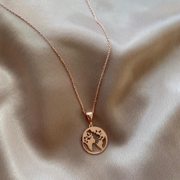 - R Dünya Figürlü Kolye | 925 Gümüş