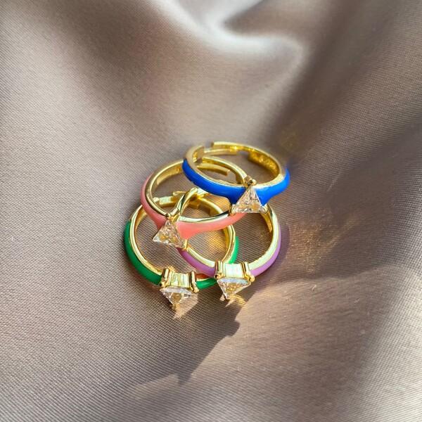 - Renkli Mineli Taşlı Üçgen Yüzük   925 Gümüş