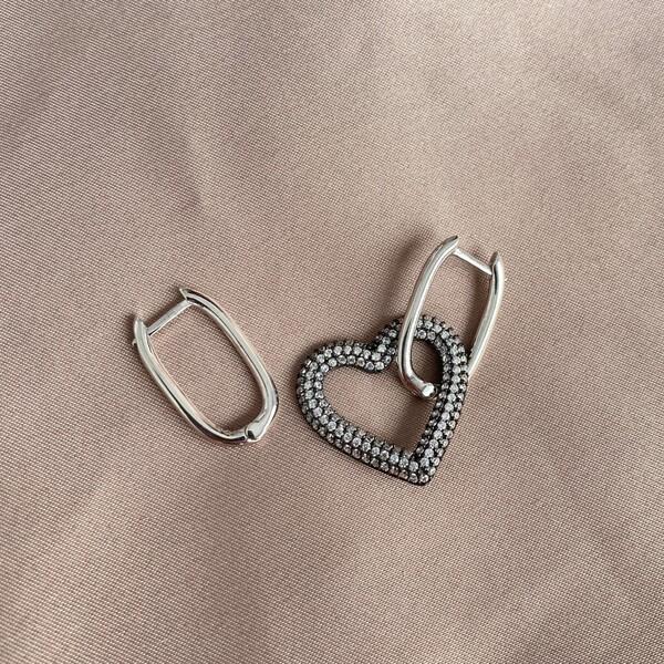 Fi Season - S Beyaz Taşlı Kalpli Dikdörtgen Küpe   925 Gümüş