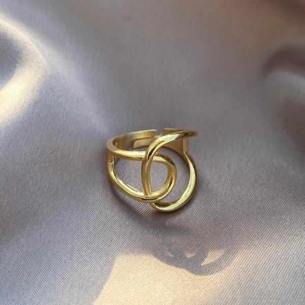 - Sarmal Yüzük   925 Gümüş