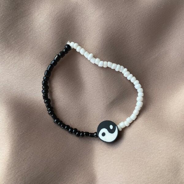 Fi Season - Siyah Beyaz Boncuklu Ying Yang Bileklik