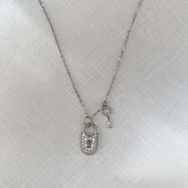 Taşlı Anahtarlı Kilit Kolye   925 Gümüş - Thumbnail