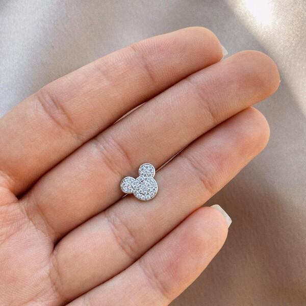 - B Taşlı Mickey Mause Figürlü Piercing | 925 Gümüş