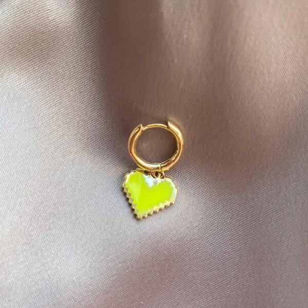 Fi Season - Tekli Halkalı Tırtıklı Sarı Mineli Kalp Küpe | 925 Gümüş