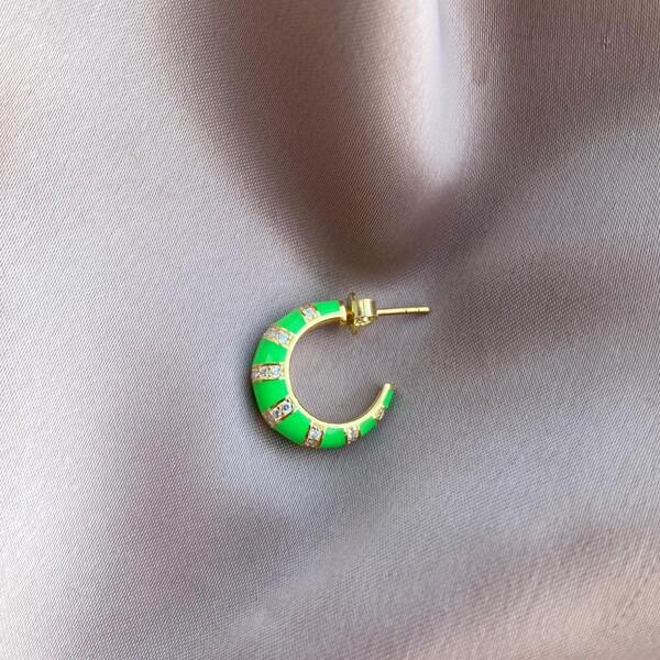 - Tekli Yeşil Mineli Kalın Çizgili Halka Küpe | 925 Gümüş