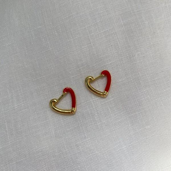 - Yarısı Kırmızı Mineli Kalp Küpe | 925 Gümüş