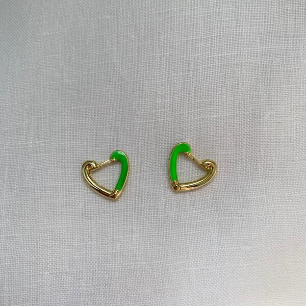 - Yarısı Yeşil Mineli Kalp Küpe | 925 Gümüş