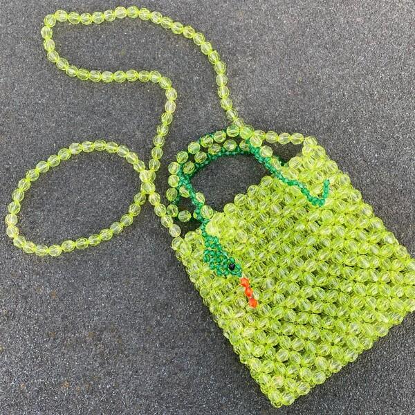 Fi Season - Yeşil Boncuklu Yılan Figürlü Çanta