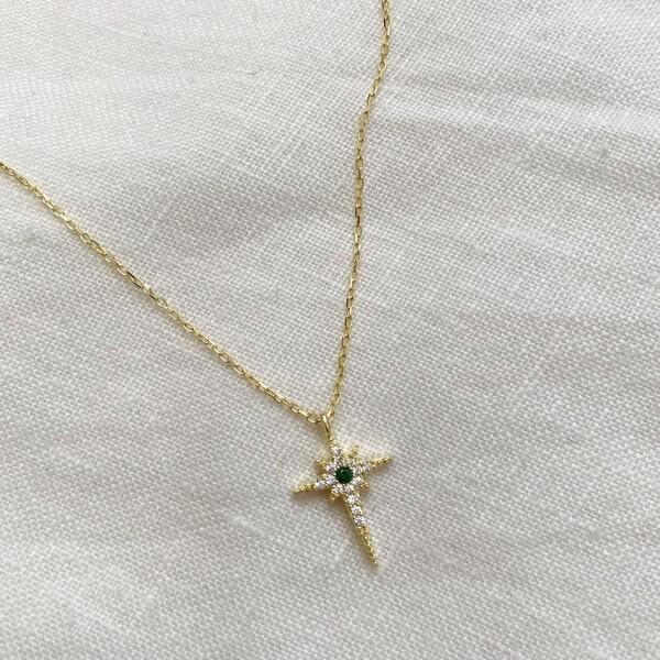 - Yeşil Taşlı Kutup Yıldızı Kolye | 925 Gümüş